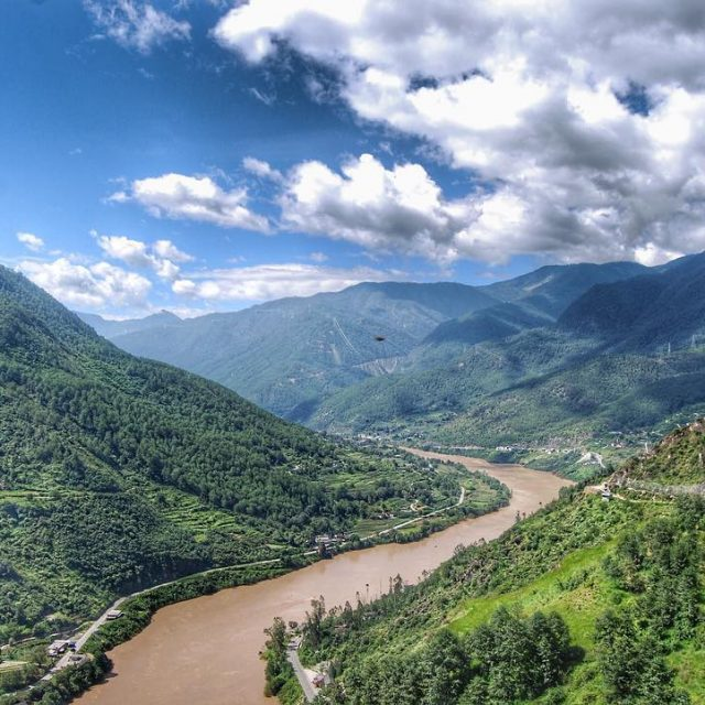 The Tiger Leaping Gorge in Yunnan province is a mustdohellip