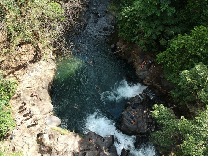 costa rica itinerary swimming hole