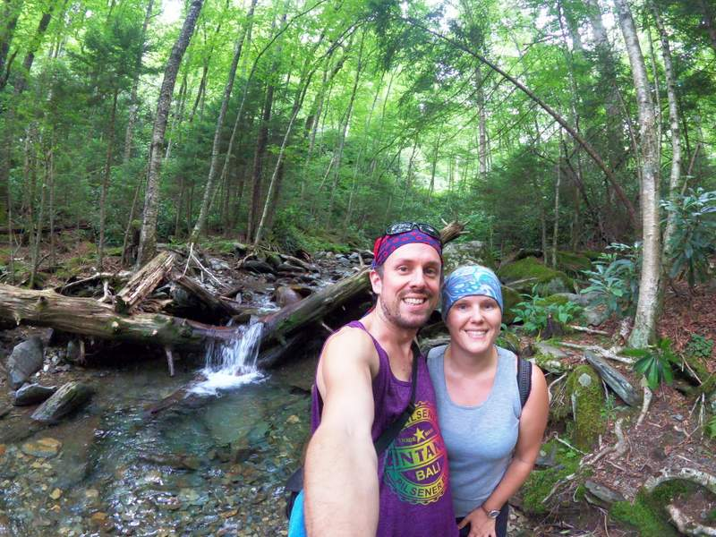 hiking in the smoky mountains alum cave trail