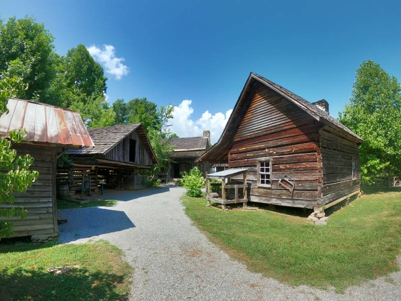 great smoky mountains heritage center historical village